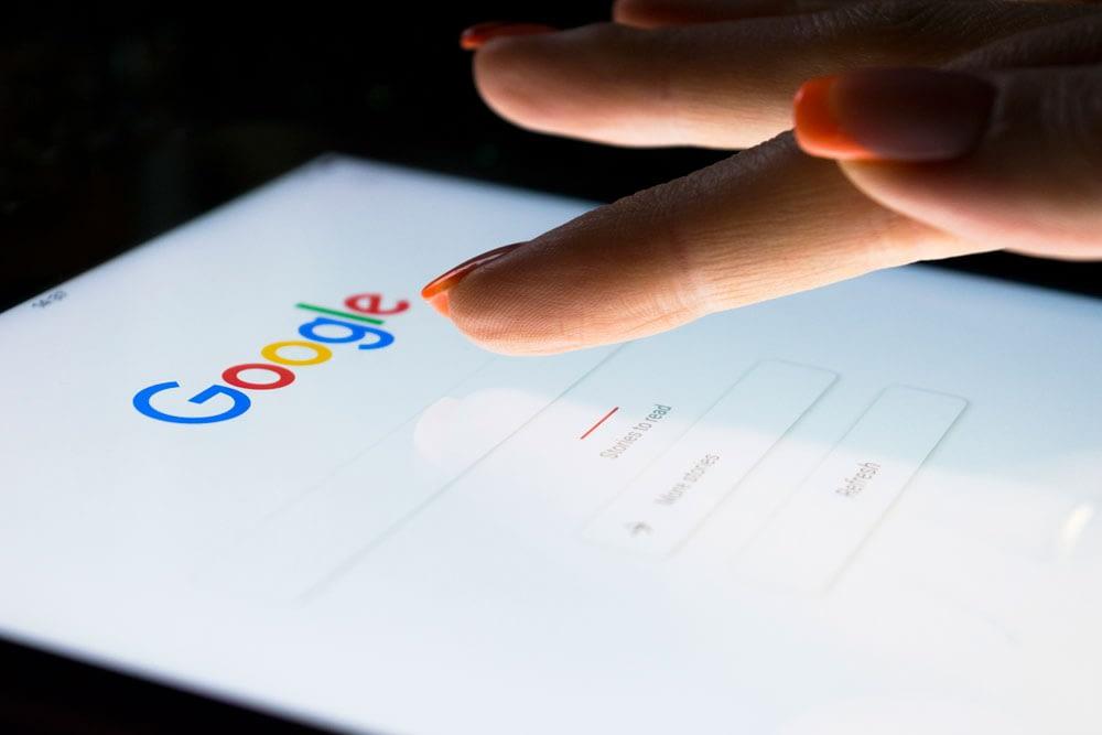 Vi søkemotoroptimaliserer nettsiden din og sørger for at dine produkter og tjenster blir funnet når noen leter etter dem. Les mer om SEO for bedrifter.