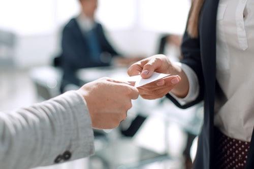 Ønsker du at du kunne ha info om firmaet ditt rett fra lomma som du kunne utdele til dine pontensiale kunder. Vi lager visitkort som vil hjelpe deg med å fremme ditt firma